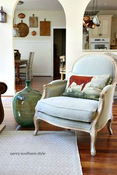 Savvy Southern Style: A French Country Fall Tour with Soft Surroundings and Romantic Homes Magazine French Style Homes, Country Style Homes, French Country Style, Country Fall, Country Farmhouse Decor, French Country Decorating, Farmhouse Style, French Farmhouse, French Cottage