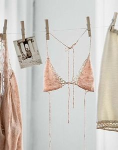 knitGrandeur: A Hint of Lace