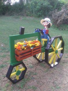 Garden Yard Ideas, Garden Crafts, Rustic Outdoor Structures, Easy Woodworking Projects, Wood Projects, Wood Log Crafts, Diy Planters Outdoor, Rustic Garden Decor, Art Desk