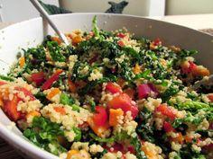 we love veggie: Grünkohl-Coucous Salat - knackig frisch in den Frü...