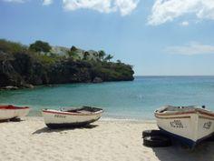 Deze vissersbootjes geven deze smalle baai een pittoreske aanblik,het laat maar weer zien hoe prachtig de natuur is ,het ultieme caribische gevoel van rust. Meer weten over deze bestemming? http://to.kras.nl/pinterest_curacao