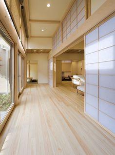 Modern Japanese Interior, Japanese Style House, Traditional Japanese House, Japanese Interior Design, Home Interior Design, Interior Architecture, Japan Architecture, Small Apartment Interior, Style Japonais