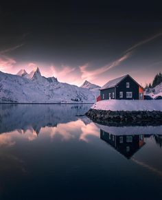 """Mi piace"": 15.6 mila, commenti: 100 - NORWAY  (@norge) su Instagram: ""Beautiful reflections in @Lofoten  #Norge photo by @merveceranphoto via @TheGreatNorth"""