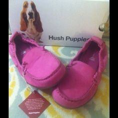 NIB/Hush Puppies/Loafers or Driving Moccasins/SZ 8 NIB/BRAND NEW WITH BOX! Hush Puppies - Bright Pink (Fuchsia) loafers. CUTE AND COMFORTABLE. These are brand new. I bought them and have just never worn them. I have another pair of Hush Puppies and wear them all of the time. Leather upper and lining, Latex rubber sole. Cushioned insoles. Slip on style/ Loafers or also called Driving Moccasins/Fabulous Color to add a POP of WOW & STYLE to any outfit! Bright Pink or Fuchia/Sz 8M/NIB Hush…