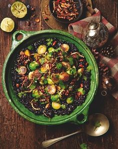 Black miso sticky rice with peanuts and brussels sprouts // Yotam Ottolenghi's recipes for a vegetarian Christmas Sprout Recipes, Veggie Recipes, Vegetarian Recipes, Cooking Recipes, Healthy Recipes, Vegetarian Xmas, Veggie Dinners, Savoury Recipes, Ottolenghi Recipes