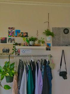 Indie Room Decor, Cute Room Decor, Aesthetic Room Decor, Study Room Decor, Aesthetic Indie, Room Design Bedroom, Room Ideas Bedroom, Bedroom Decor, Bedroom Inspo