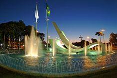 http://www.loucosesantos.com.br/blog/wp-content/uploads/2016/08/Praca_do_Migrante_Cascavel_PR-turismo-PR.jpg