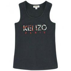 CANOTTA KENZO KIDS Canotta da bambina e da ragazza di Kenzo Kids in tinta unita di colore nero, la parte frontale è in jersey di cotone, mentre la parte posteriore è in jersey a coste, un patch della Kenzo adorna la parte frontale. Canotta Kenzo Kids pratica e leggera per un outfit casual estivo di tutti i giorni. #kenzo #kenzokids #canotte #magliette #tank #top #bambina #ragazza #girl #teeneager #abbigliamento #clothing #shoponline #ecommerce #fashion #moda #saldi #sconti #promozioni