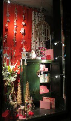 Escaparate de Navidad de Mugarri decoración. www.mugarri.eu