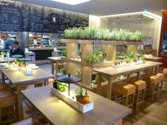 Vapiano | Internationaal | Italiaans Fast service concept | Trends: Fast & Slow, Fresh, Iconisation, Urban