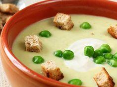 Sopa de Ervilha Portuguese Soup, Portuguese Recipes, Soup Recipes, Vegetarian Recipes, Cooking Recipes, Going Vegan, No Cook Meals, Good Food, Food Porn
