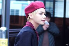 He went from fluffy bunny to dangerous dragon in 0.01 sec real quick ~ ~ ~ 161104 ~ © to owner ✨ #BangtanBoys ✨ #Jin ✨ #Suga ✨ #RapMonster ✨ #Jhope ✨ #Jimin ✨ #V ✨ #Taehyung ✨ #Jungkook ✨ #Kim ✨ #Min✨ #Jung ✨ #Park ✨ #Jeon ✨ #방탄소년단 ✨ #SeokJin ✨ #YoonGi ✨ #Namjoon ✨ #Hoseok ✨ #진 ✨ #슈가 ✨ #재이헙 ✨ #랩먼스터 ✨ #지민 ✨ #뷔 ✨ #정국 ✨ #l4l