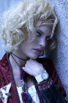#voila #watch #model