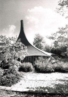 Institute for Lightweight Structures, 1967, University of Stuttgart in Vaihingen, by 2015 Pritzker laureate Frei Otto