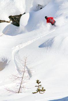 Arabban off-pisteillä Dolomiiteillä on paikoittain iloisesti kumpuilevaa laskumaastoa. http://www.lumipallo.fi/