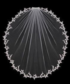 Veil with flower trim