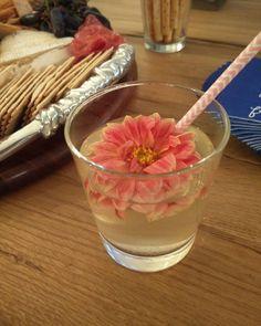 Its Whiskey time!  I love the drama of these Dahlias from @gourmetsweetbotanicals . . . . . . #organic #natural #fresh #vegan #nongmo #glutenfree #goodforyou #fresh #healthy #whiskey #whisky #cocktails #cocktail #mixology #mixers #entrepreneur #vodka #sanfrancisco #goforit #doyourbest #keepmovingforward #takechances #losangeles #hollywood #calabass  #partyideas #weddingideas #mixtress #thenaturalmixologist