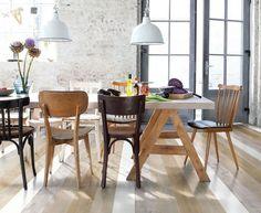 Un salon constitué d'un parquet en chêne blanc, brut huilé et gris. De quoi twister la déco de la salle à manger !