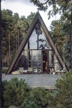 Cabin Design, Tiny House Design, Modern House Design, A Frame House Plans, A Frame Cabin, Tiny House Cabin, Cabin Homes, Triangle House, Casas Containers