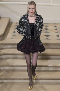Saint Laurent Fall 2016 Ready-to-Wear Fashion Show - Grace Hartzel (Next)