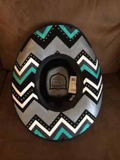 I'm beyond excited to be getting a painted cowboy hat from a friend out west! Cannot wait to see it! Cowgirl Hats, Western Hats, Cowgirl Style, Western Wear, Western Style, Country Fashion, Country Outfits, Country Girls, Country Hats