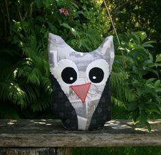 Se vores store udvalg af unika kunsthåndværk, f.eks. disse håndsyede puder til kun 160 kr. Se flere her: http://uglenimosen.dk/produkter/27-haandlavet/