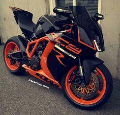 Geteilt von Motorradbekleidung – Two-Up Bikes – Ahmet Okumuş – Join the world of pin Motorcycle Outfit, Motorcycle Bike, Ktm Rc8, Ktm Motorcycles, Custom Sport Bikes, Futuristic Motorcycle, Auto Motor Sport, Moto Bike, Sportbikes