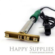 Custom 26 Alphabet Letter Brass Leather por HappyJewelrySupplies