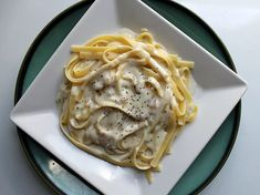 A simple and easy and very creamy Italian two-cheese pasta sauce made with Mascarpone and Gorgonzola cheeses. For serious cheese lovers only! Cheese Sauce For Veggies, Cheese Sauce For Pasta, Sausage Pasta Sauce, Pumpkin Pasta Sauce, Cheesecake Mascarpone, Sauce Recipes, Pasta Recipes, Gorgonzola Pasta, Recipes