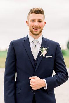 Groom in Navy Suit - Navy & Burgundy Fall Wedding - Indiana Wedding Photography Navy Fall Weddings, Navy And Burgundy Wedding, Blue Suit Wedding, Wedding Suits, Blue Groomsmen Suits, Groom And Groomsmen Attire, Groom Outfit, Navy Groom Suits, Blue Suits