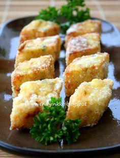 I first ate this tofu about 20 years back. It was popular back then. Nowadays, I don't see many restaurants serving this anymore. There ...