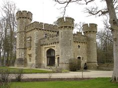Bath Lodge Castle Hotel was one of six gate lodge's to Farleigh house. Beautiful Castles, Beautiful Buildings, Beautiful Places, Brick Architecture, Architecture Details, Small Castles, Somerset England, Medieval, Gate House