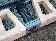 Decorative Retaining Wall Drain x Granite) - The Drainage Products Store wall ideas Decorative Retaining Wall Drain x Granite) Retaining Wall Drainage, Wooden Retaining Wall, Small Retaining Wall, Backyard Retaining Walls, Backyard Drainage, Building A Retaining Wall, Sloped Backyard, Sloped Garden, Backyard Landscaping