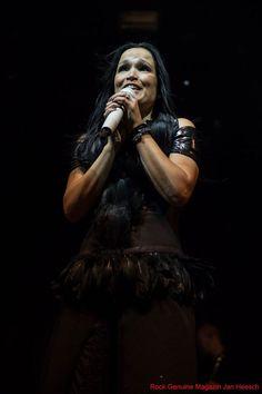 Tarja Turunen live at Batschkapp, Frankfurt, Germany. The Shadow Shows, 12/10/2016 #tarja #tarjaturunen #theshadowshows #tarjalive PH: Jan Heesch for https://web.facebook.com/rockgenuine/