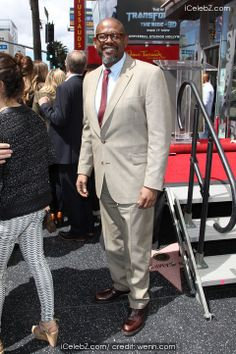 Forest Whitaker Orlando Bloom honored with a star on the Hollywood Walk of Fame http://www.icelebz.com/events/orlando_bloom_honored_with_a_star_on_the_hollywood_walk_of_fame/photo4.html