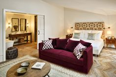 Soho House Istanbul in Istanbul - Best hotel rates - Vossy Burgundy Couch, Burgundy Living Room, Maroon Couch, Soho House Hotel, Living Room Sofa, Living Room Decor, Soho House Istanbul, Ideas Habitaciones, Sofa Design