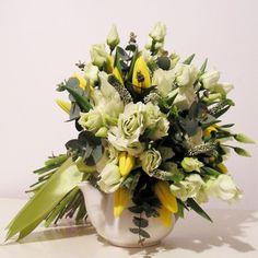 yau flori_buchet de primavara cu flori de lisianthus