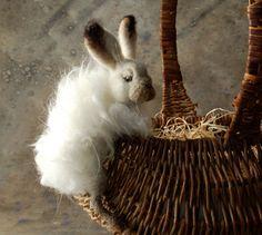 Basket Bunny  Snow hare von SarafinaFiberArt auf Etsy