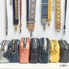 Sewing a plain bag - simple basic cut - crearesa.de - Praktische İnformatie - Sewing a plain bag – simple basic cut – crearesa. Diy Handbag, Diy Purse, Diy Bags No Sew, Simple Bags, Sew Simple, Free Sewing, Fabric Scraps, Sewing Tutorials, Tutorial Sewing