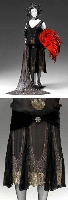 Evening dress ca. 1920-25. Silk chiffon, velvet, glass beads, sequins. Mint Museum