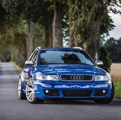 The blue dream😍😍 Audi —————————— Picture by. Audi Rs4 B6, Audi Rs6 Avant, A6 Avant, Audi S4, Audi Kombi, Sedan Audi, Audi Wagon, Audi Motorsport, Vintage Porsche