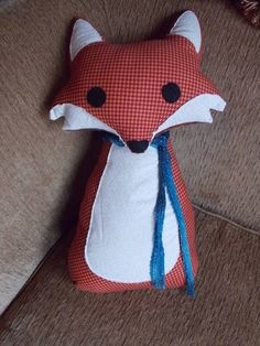 Fox Pillow with a Secret - TOYS, DOLLS AND PLAYTHINGS http://www.craftster.org/forum/index.php?topic=435958.0