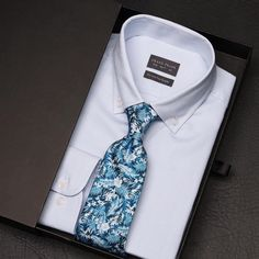Unboxing the Wedgwood blue button-down shirt and the new Tropical leaf tie. Any thoughts on this look, Gents?   www.Grandfrank.com