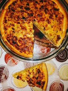 Tarta de puerro, cebolla y queso Empanadas, Food Dishes, Side Dishes, Strudel, Casserole Recipes, Quiche, Clean Eating, Cheese, Cooking