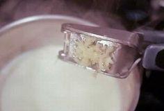 Latte all'aglio: un rimedio magico contro la sciatica