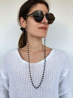 Sunglasses chain from a unique rosario with black beads and gold chain. You can put it in every pair of sunglasses that you wish. Sunglasses Organizer, Sunglasses Women, Fashion Accessories, Etsy, Gold Chains, The Outsiders, Jewels, Store, Black