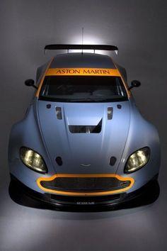 Aston Martin by jan