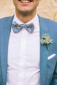 Marié - Costume - Bleu - Chemise - Noeud papillon - Fleur - Boutonnière *Mariageetrobeadore*