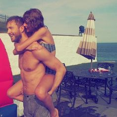 Taylor Swift and Calvin Harris Got All Loved Up on the Fourth of July