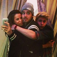 Sophiam + Niall selfie lol. Niall ships himself with everybody.>>> I ship Niall with everybody too